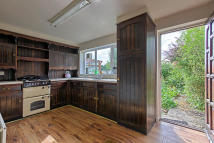 2 bedroom Cottage for sale in Wheatley Lane Road...