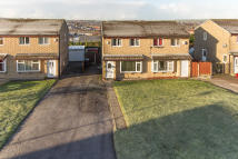 2 bed semi detached house in Sprucewood Close...