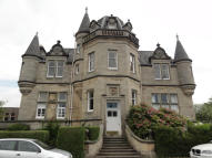 Ground Flat for sale in Brentham Park House...