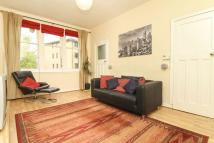 3 bedroom Flat in 21 (1F3) Learmonth...
