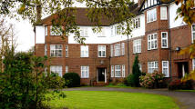 Apartment to rent in The Green, London, N21