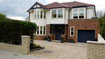 5 bed Detached home for sale in Park Road, East Barnet...