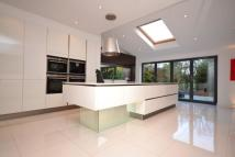 6 bedroom home to rent in Greenacre Close...