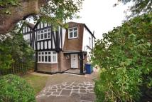 3 bed house in Raydean Road, New Barnet