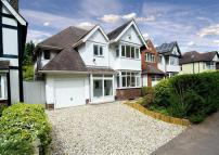 Detached home in Compton Road, Compton...