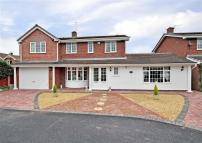 4 bed Detached property in Berkeley Close, Perton...