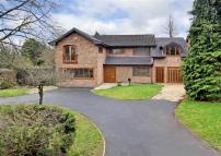 5 bed Detached home in Lothians Road...