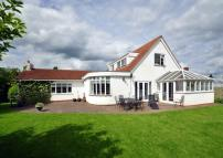 4 bedroom Detached Bungalow in The Orchard...