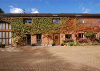 4 bed Barn Conversion in The Hayloft...