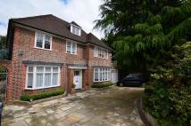 6 bedroom Detached property in Chalton Drive...