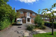 6 bed Detached house in Church Mount...