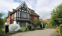 9 bed Detached home in Hendon Avenue, Finchley