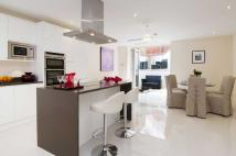 4 bed semi detached home to rent in Wentworth Road...