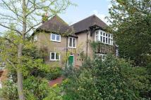 5 bedroom Detached house in Fitzalan Road, Finchley
