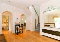 7 bed Detached property to rent in Winnington Road...