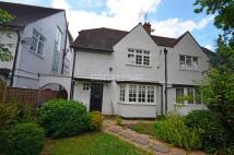 3 bed semi detached home in Crooked Usage, Finchley