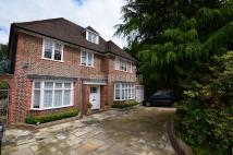 Detached home to rent in Chalton Drive...
