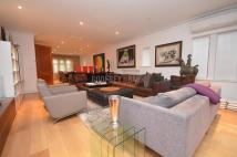 6 bed Detached home to rent in Kingsley Way...