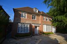 6 bed Detached property in Chalton Drive...