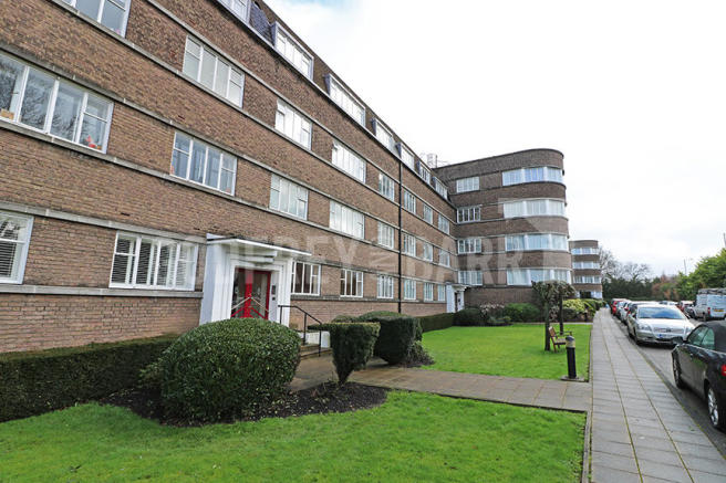 2 bedroom apartment for sale in belvedere court hampstead for Balcony unreserved