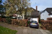 4 bedroom semi detached house to rent in  Northway...