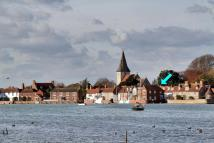 3 bed Apartment for sale in Old Bosham...
