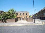Town House to rent in Rochemont Walk...