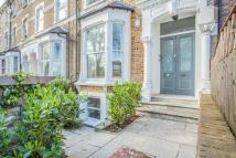 Flat to rent in Northwold Road, Clapton...