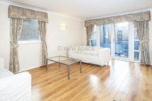 Flat to rent in Jardine Road, Wapping...
