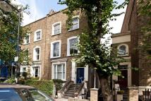 Flat to rent in Northchurch Road, London...