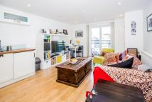 Flat to rent in Shore Road, Hackney, E9