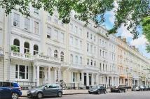 Flat to rent in Cornwall Gardens, London...