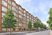 Flat to rent in Sloane Street, London...