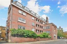 Flat to rent in Windsor Court...