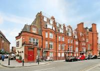 Flat to rent in Hans Road, London, SW3