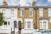 3 bedroom house in Pursers Cross Road...