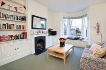 3 bed home in Bolingbroke Grove...