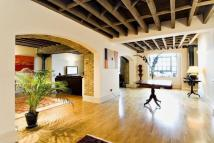2 bed Flat for sale in Great Jubilee Wharf...