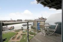Flat for sale in Waterside...