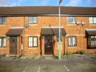 2 bedroom property to rent in Howard Close, Wilstead...