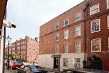 Flat in Folgate Street, E1