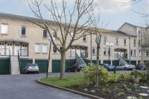 Flat to rent in Bowmans Mews, London, E1