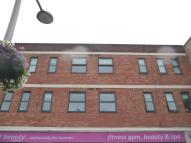 Apartment to rent in Cranbrook Road, Ilford...