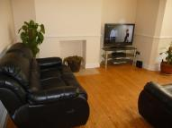 1 bed Ground Flat to rent in New Wanstead, London, E11