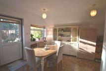 2 bed Detached Bungalow to rent in Hillside Road, Ashtead...