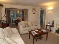 Apartment to rent in Floral Court, Ashtead...