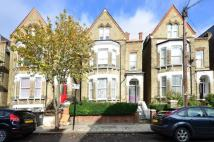 Flat to rent in St Saviours Road...