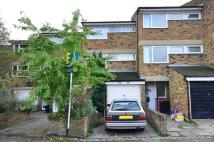Maisonette to rent in Russell Grove, Oval, SW9