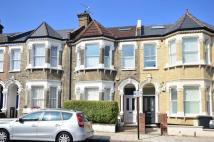 Flat to rent in Arodene Road, Brixton...