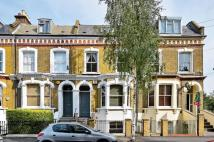 2 bedroom Flat for sale in Dalyell Road, Brixton...